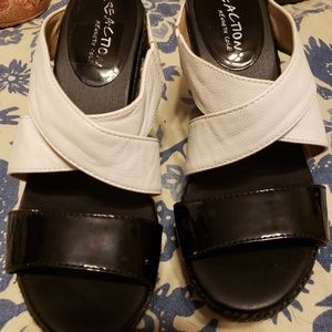 Kenneth Cole Oscar Rent her Shoes